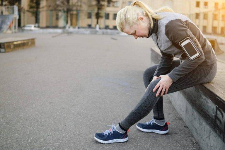 Runner's knee and knee pains: symptoms, causes, and treatment